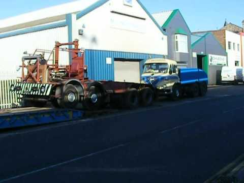 Foden S36 pulling the Foden FC20 crane carrier off the low-loader