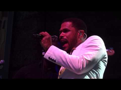"Maxwell Live - 06.23.14, ""Bad Habits"""