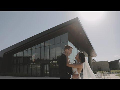 emotional-kansas-wedding- -mark-arts-venue- -art-museum-wedding