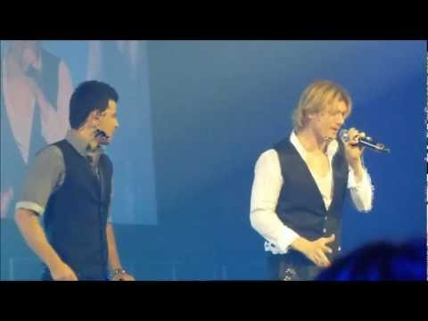 NKOTBSB - Don't Turn Out The Lights (Live at BNE Ent Centre, May 2012)