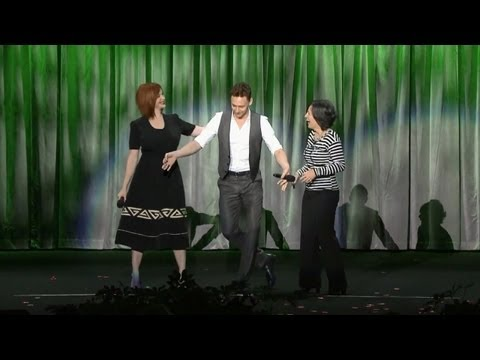 Tom Hiddleston sings Jungle Book's The Bare Necessities with Christina Hendricks at D23