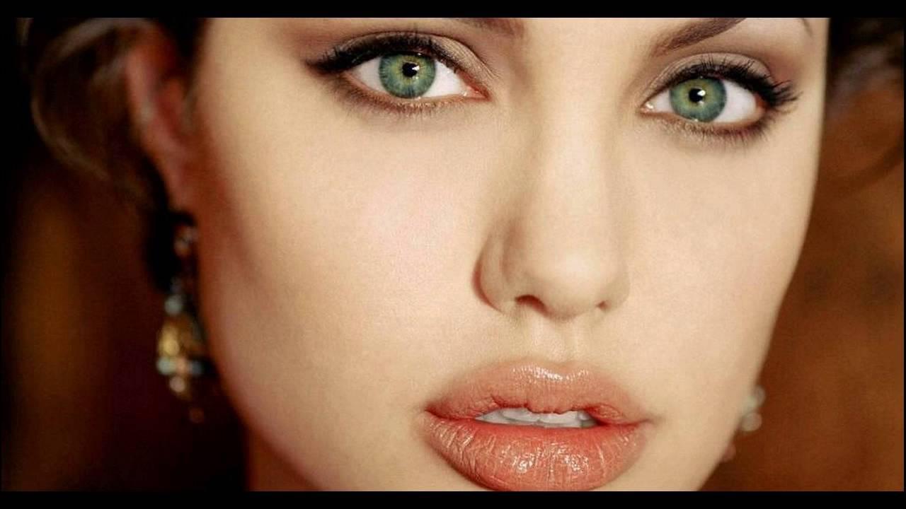 good colors green eyes