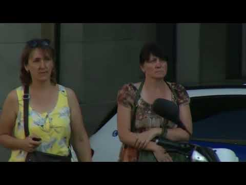 В Барселоне неизвестный на автофургоне врезался в толпу пешеходов