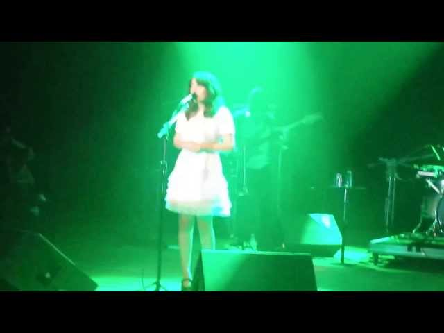 Clarice Falcão - Australia (Coquetel Molotov 2013 - Teatro UFPE) Travel Video