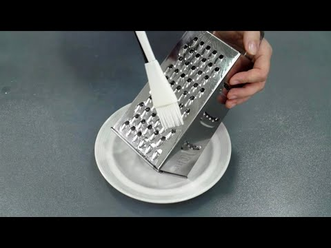 ЗАЧЕМ тысячи хозяек смазывают терку маслом перед использованием (простое решение вечной проблемы) - Видео онлайн