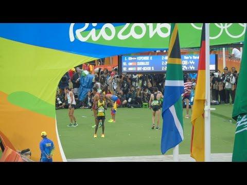 RIO'S OLYMPIC GAMES: MARATHON (MEN) - SPECTACULAR ARRIVAL