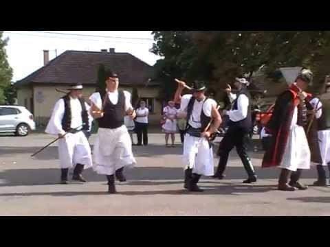 Somogyi táncok (ugrós, lassú csárdás) Néptáncórák a Biharival