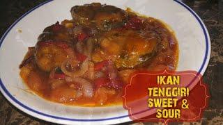 BAHAN-BAHAN:- *3-5 ketul ikan tenggiri yang siap digoreng *1 ulas bawang besar (dipotong bulat) *1 tangkai cili besar ( dipotong) *1 biji tomato (dipotong ...