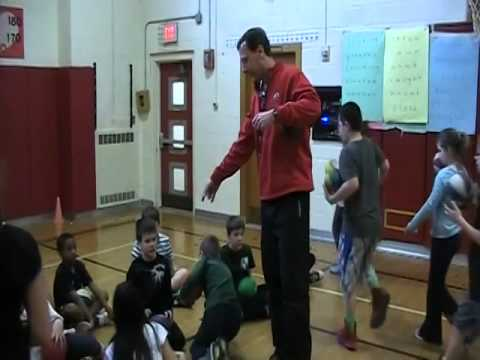 Elementary PE Dribbling with Basketball Lesson (Tom Winieki) - YouTube