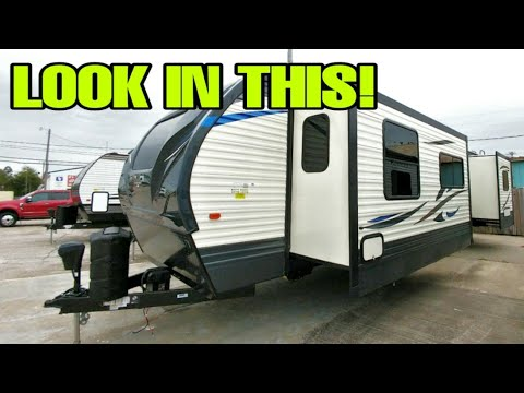 Check Out This Huge And Crazy Nice Travel Trailer RV! PUMA 31FKRK