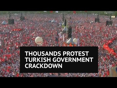 'The era we live in is a dictatorship' – Thousands protest Turkey's post-coup crackdown
