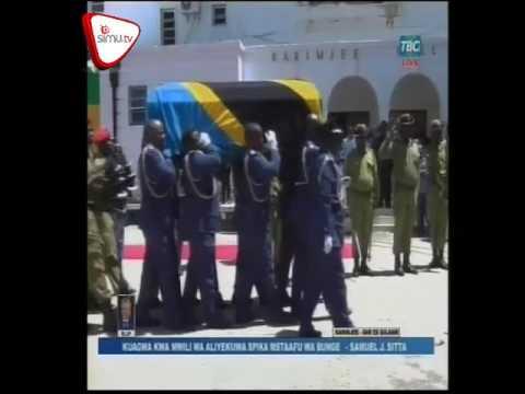 Mwili Wa Samuel Sitta Ukielekea Airport Kupelekwa Bungeni Dodoma