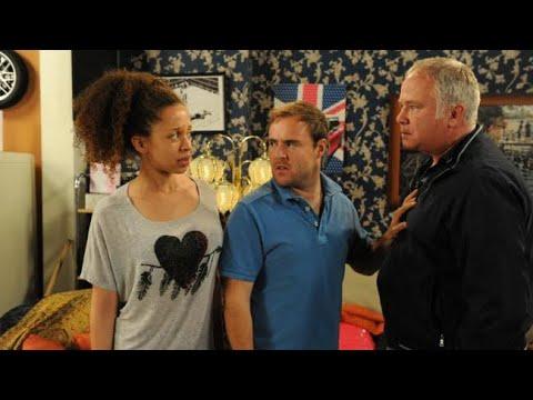 Coronation Street - Ed Soames Vs. Tyrone Dobbs (28th September 2012 Episode 2)