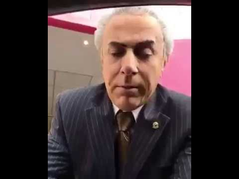 Michel Tomer agradecendo a presença de Tirulipa - Humor Vídeos WhatsApp