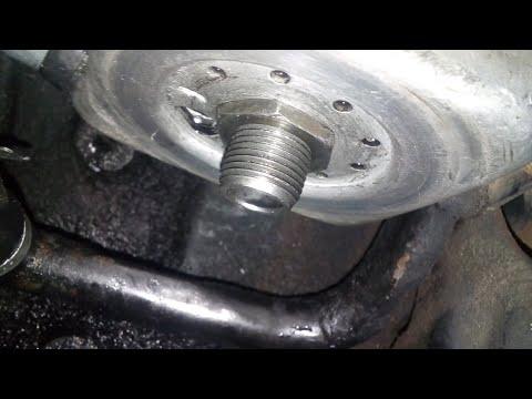 Меняю термостат и масло в двигателе Фольц Пассат б3 1.9 TD