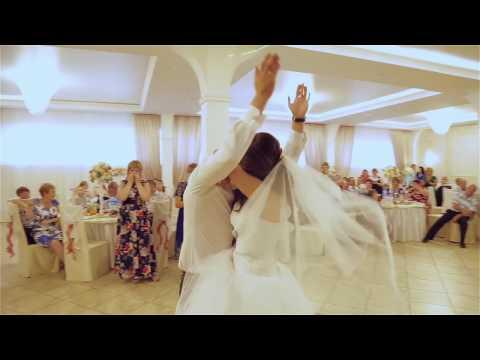 Подарок на свадьбе Жених читает рэп (песню) невесте 'MaxFEdoroV - ты моею женою стала' - Лучшие приколы. Самое прикольное смешное видео!