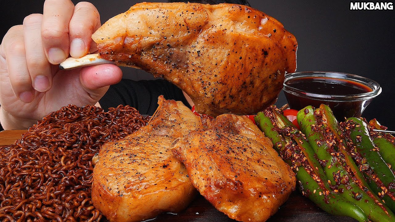 ASMR MUKBANG | BBQ STEAK 🥩 MUSHROOM BLACK BEAN NOODLE CHILI PEPPER 짜파게티 돈마호크 스테이크 고추김치 소스 퐁당! 먹방