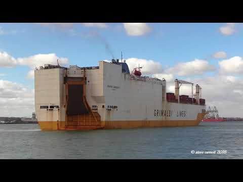 Grimaldi Lines 'Grande Amburgo' RORO Vehicle Carrier arrives Southampton Docks 20/02/18
