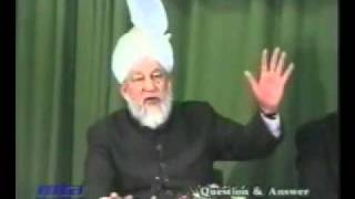 Why Miracle of Moon by Prophet Muhammad, didn't break the Law of God?