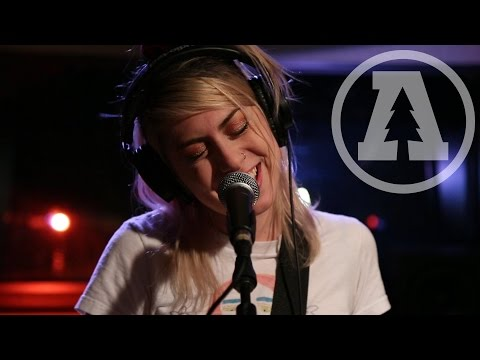 Download Charly Bliss on Audiotree Live Full Session Mp4 baru