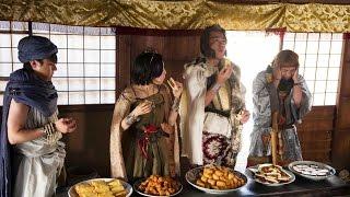 ヨシヒコ(山田孝之)一行は天空の魔王を倒すため運命の玉を持つ7戦士...
