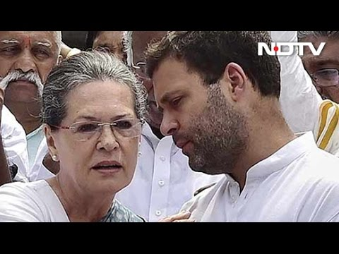 Sonia Gandhi Intervenes To Protect Turf With Akhilesh Yadav