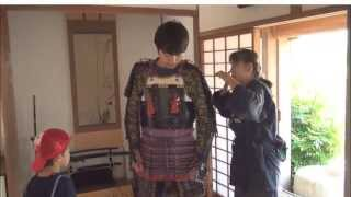 Amazing Japan #009 How to wear SAMURAI Armor - Yoroi - 甲冑の着方 thumbnail