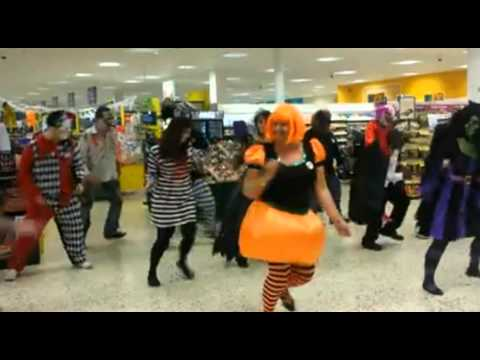 Tesco Pontypridd Managers doing The Time Warp for DiabetesUK!!