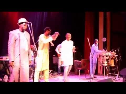 INTEGRALITE LIVE SHOW PAPE DIOUF A OLD TOWN SCHOOL FOLK MUSIC CHICAGOOK