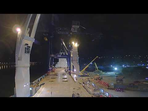 Heavy lift ship loading two STS Cranes.