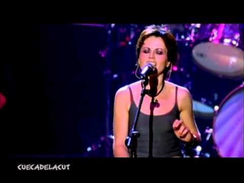 The Cranberries - Ode to my family (live Beneath the Skin 1999)