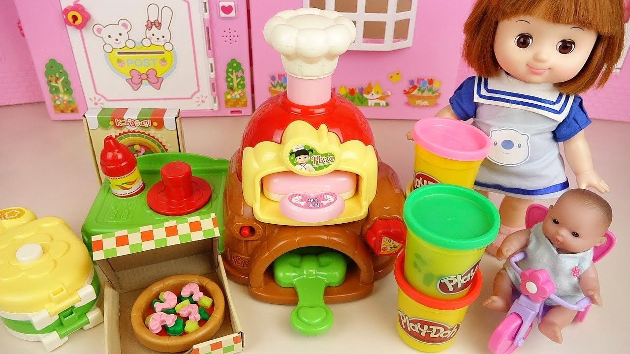 Play doh pizza and baby doll kitchen cooking play baby Doli house