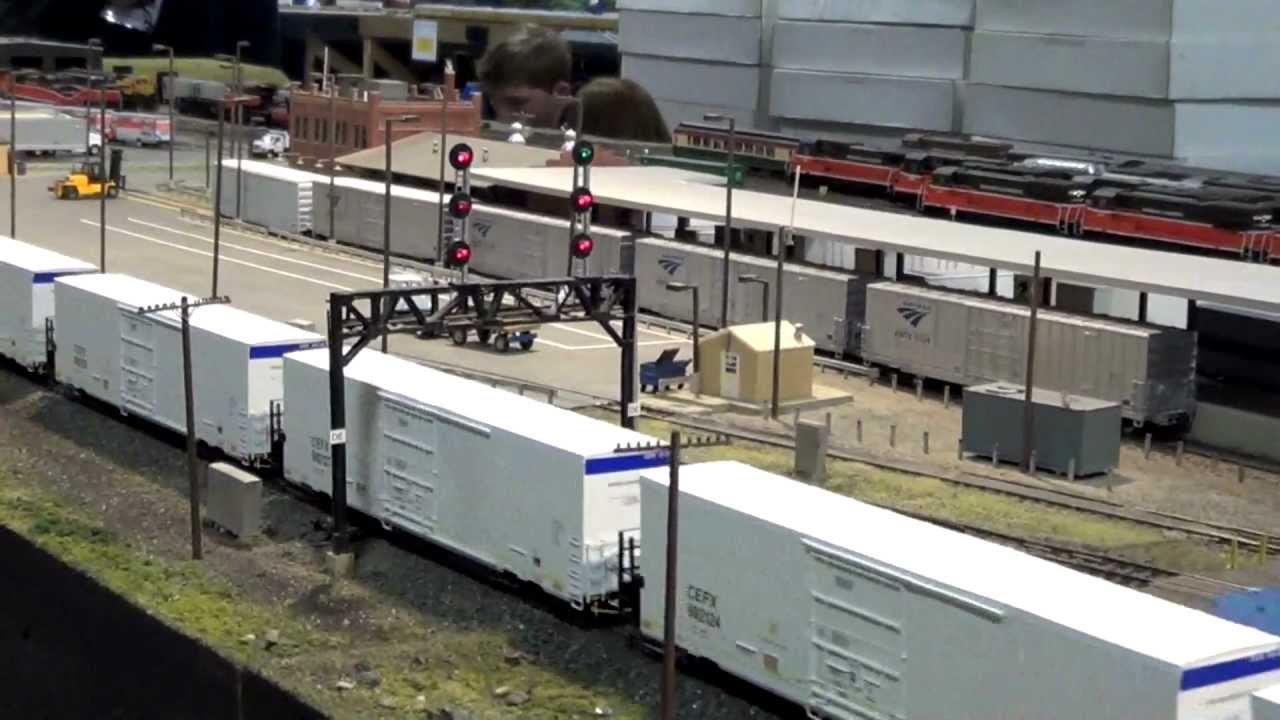 HD: Model Trains at the Big E Train Show 1/26/13