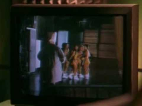 Download Exposing his 'little friend' to the Laker Girls (From Bowfinger)