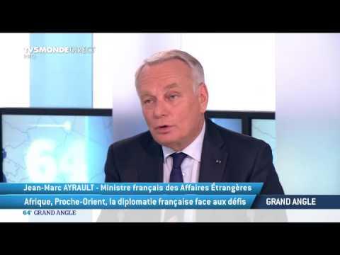 """Afrique : Jean-Marc Ayrault comprend la jeune génération qui """"en a marre"""""""