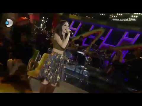 Beyaz Show - Seyirci Seda Bakan'ı neden önce yuhaladı, sonra alkışladı!