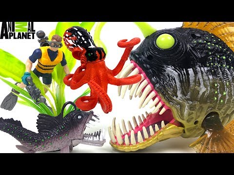 ANIMAL PLANET CREATURES WITH SHARK ORCA ANGLER FISH VIPERFISH & MORE