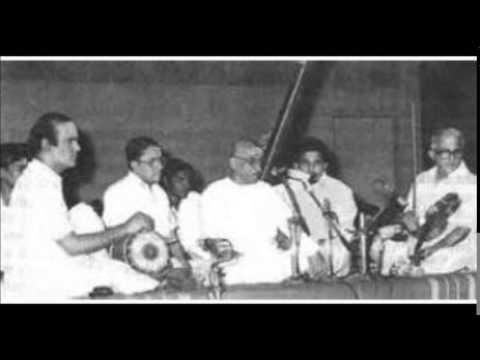 Semmangudi Srinivasa Iyer -Pakkala Nilabadi Kharaharapriya Music Academy, 1959