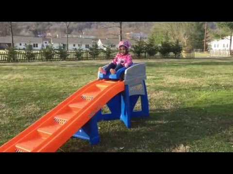 Step2 Hot Wheels Extreme Thrill Coaster Outtakes - YouTube