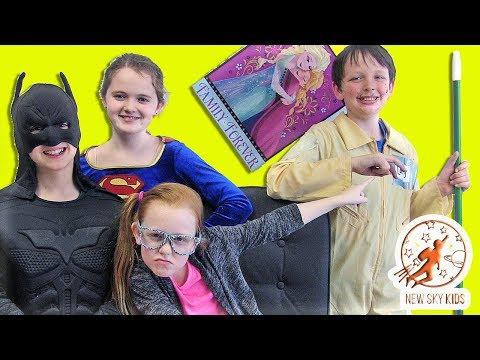 Little Superheroes 13 - Larry the Joker...