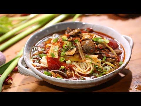 【火哥的菜】四川名小吃泡椒鸡杂面为啥那么火爆好吃?火哥告诉你秘密