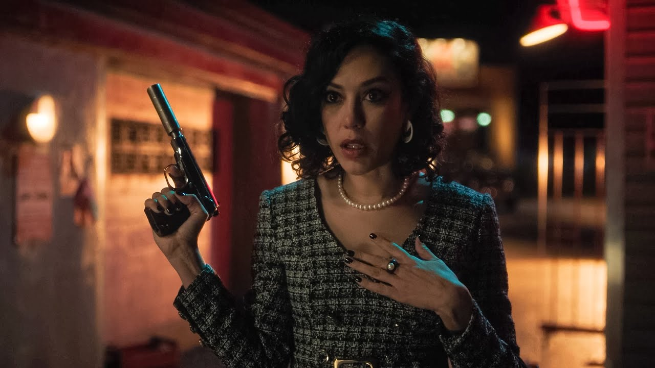 Download Hermosa Protects Veronica From Bandits - Riverdale 5x02