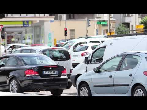 Reportage Censuré - Place Leclerc (Besançon) Le carrefour de la honte