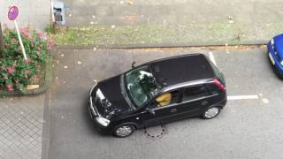 Frau am Steuer - Woman can't drive - Parking disaster in Dortmund