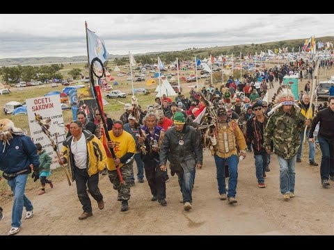Police riot against Sioux water protectors at backwater bridge