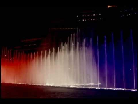 The Bellagio Fountains - Las Vegas - God Bless the USA