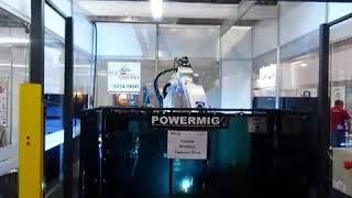 Robô de Solda Panasonic/Powermig em processo de soldagem -- Feira da Manutenção 2013