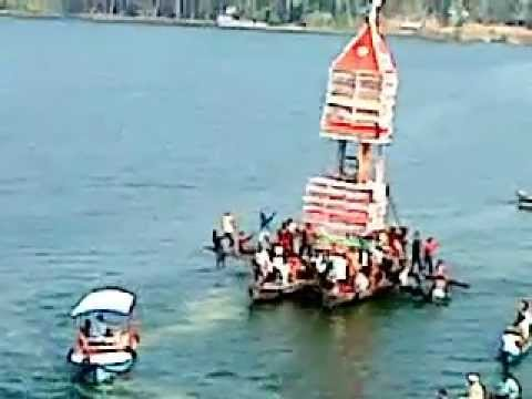 thrikkadavoor temple: thevally kuthira in lake