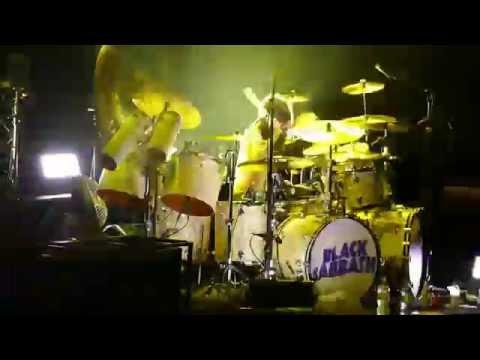 Black Sabbath - Solo de batterie de Tommy Clufetos avec Iron man - Live in Zürich du 15.06.2016