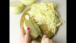 Как нарезать капусту тонкой соломкой - 2 способа / от шеф-повара / Илья Лазерсон / Кулинарный ликбез